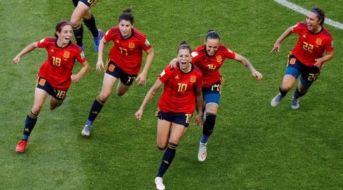 שחקניות נבחרת ספרד חוגגות (רויטרס)