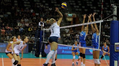 שחקניות נבחרת ישראל מול קפריסין (דיוד סלברמן)