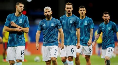 שחקני נבחרת ארגנטינה בחימום (רויטרס)