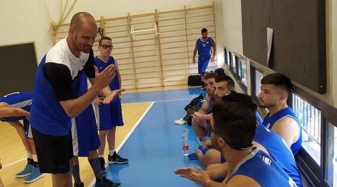 """מאמן נבחרת כדורסל לחירשים יניבסמידוברסקי (אס""""ח)"""