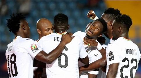 שחקני נבחרת גאנה חוגגים (רויטרס)