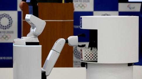 הרובוטים בטוקיו. הם לא יידבקו בקורונה (רויטרס)