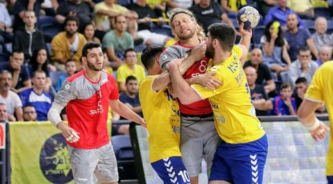 אפשרי: מפגש בין האלופה לסגניתה בסיבוב השני בגביע האיגוד האירופי (הדר ואן קולא, איגוד הכדוריד) (מערכת ONE)