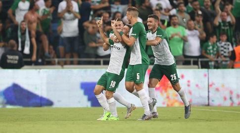 שחקני מכבי חיפה חוגגים (רדאד ג'בארה)