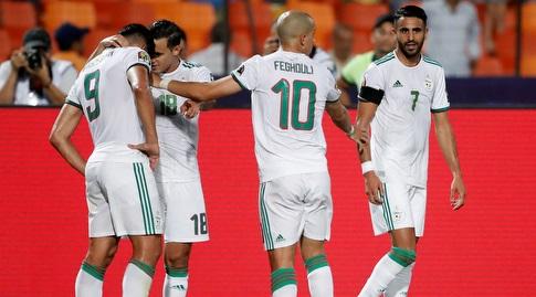 שחקני אלג'יריה חוגגים (רויטרס)