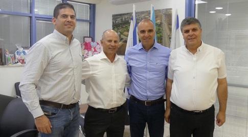 סמיר סובחי, ארז כלפון, אבי אלקבץ וניקולס לב (מנהלת הליגות)