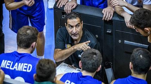אורן אהרוני וחניכיו (FIBA) (מערכת ONE)