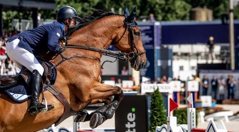 אלעד יניב והסוס (לילי פוראדו/ באדיבות ההתאחדות לספורט הרכיבה בישראל)