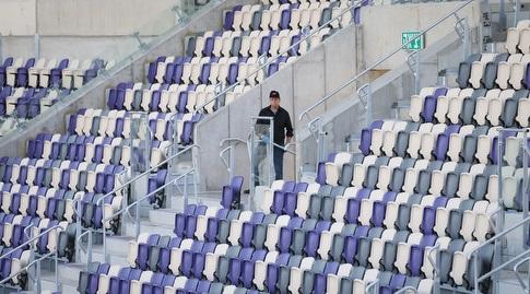 המושבים באצטדיון בלומפילד (רדאד ג'בארה)