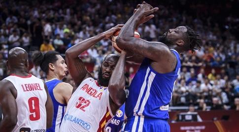 ואלדליסיו ג'ואקים מול אנדריי בלאטץ' (FIBA)