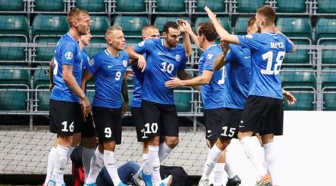 שחקני נבחרת אסטוניה חוגגים (רויטרס)