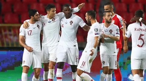 שחקני נבחרת פורטוגל חוגגים (רויטרס)