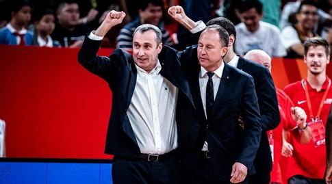 ננו גינזבורג חוגג (FIBA)