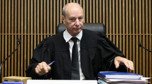 השופט צבי גורפינקל (רדאד ג'בארה)