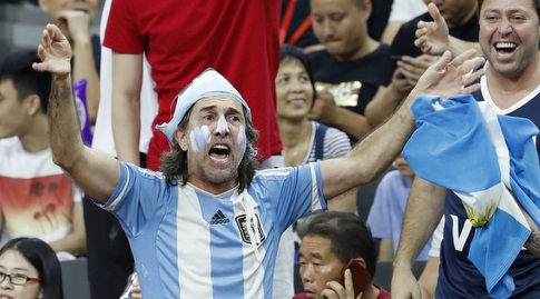 אוהד ארגנטינאי מאושר (רויטרס)