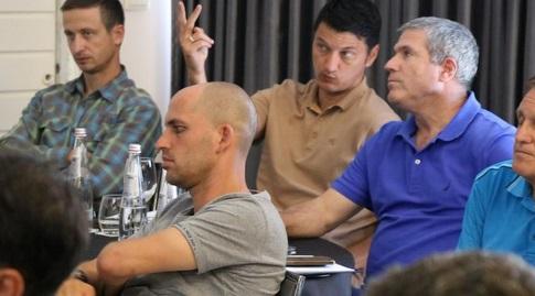 ניר לוין, ולדימיר איביץ' ורביד גזל (באדיבות ההתאחדות לכדורגל)