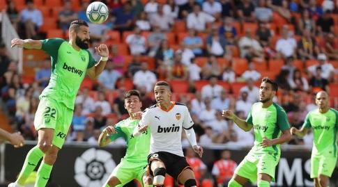 דימיטריוס סיובאס נוגח (La Liga)