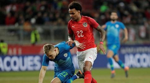 """ולנטינו לזארו במדי נבחרת אוסטריה (מימין). """"המוכשר ביותר מאז אלאבה"""" (רויטרס)"""