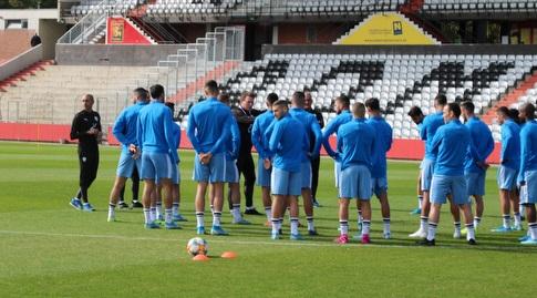 אנדי הרצוג ושחקני נבחרת ישראל באימון (ההתאחדות לכדורגל)