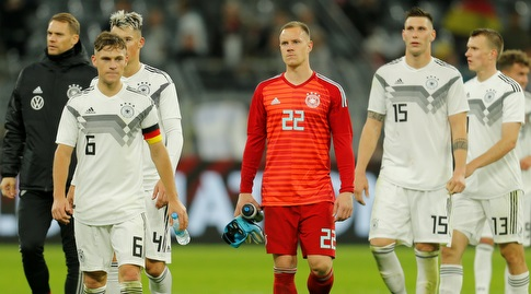 טר שטגן ושחקני גרמניה מאוכזבים בסיום (רויטרס)