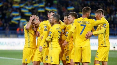 שחקני אוקראינה חוגגים (רויטרס)