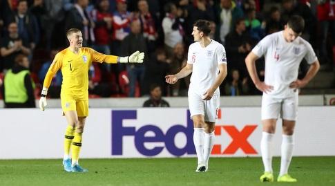 שחקני נבחרת אנגליה מאוכזבים (רויטרס)