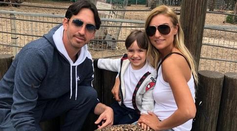 ניר ברקוביץ' ומשפחתו (פרטי)