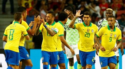שחקני ברזיל חוגגים עם קאסמירו (רויטרס)