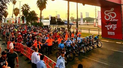 מרוץ האופניים בתל אביב. למצולמים אין קשר לנאמר בכתבה (צילום: רונן טופלברג)