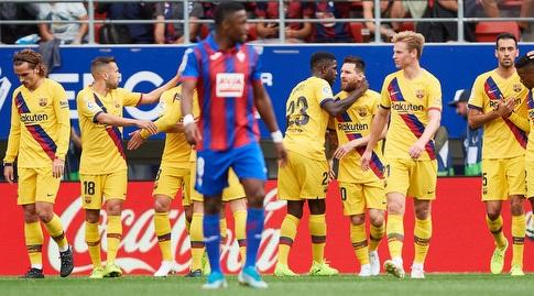 סמואל אומטיטי מברך את ליאו מסי (La Liga)