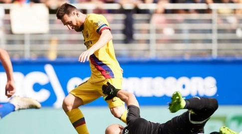 מסי עובר את דמיטרוביץ' (La Liga)