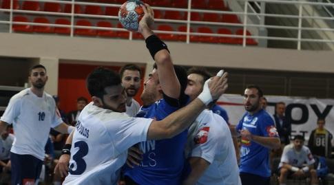 נבחרת ישראל מול יוון בכדוריד (באדיבות איגוד הכדוריד היווני, intime sports photo agency/giannis moisiadis) (מערכת ONE)