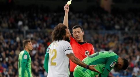 מרסלו מקבל כרטיס צהוב (רויטרס)