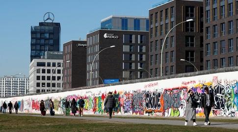 חומת ברלין בימים אלו (רויטרס)