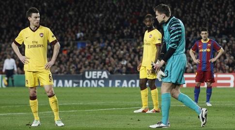וויצ'ך שצ'סני במשחק בו נפצע נגד ברצלונה ב-2011 (רויטרס)