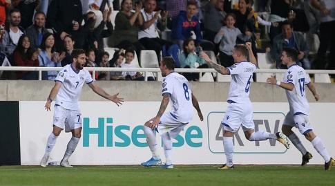 שחקני נבחרת קפריסין חוגגי (רויטרס)