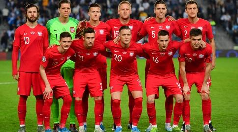 שחקני פולין לפני המשחק (חגי מיכאלי)