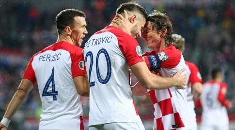 שחקני נבחרת קרואטיה חוגגים (רויטרס)