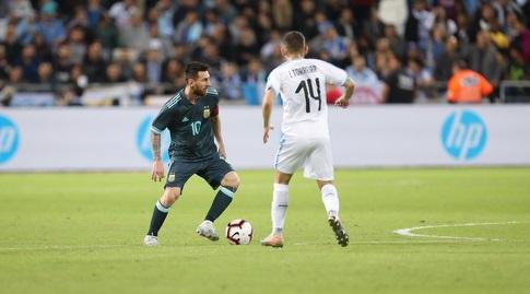 ליאו מסי מול לוקאס טוריירה (רדאד ג'בארה)