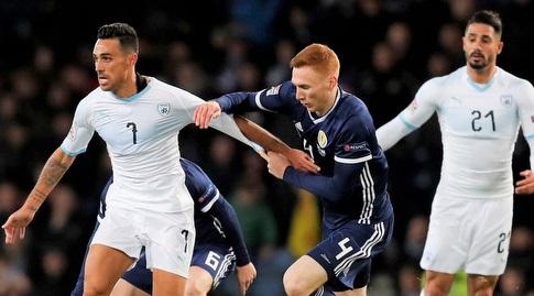 ערן זהבי במשחק מול סקוטלנד (רויטרס)