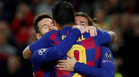 ליאו מסי, אנטואן גריזמן, ולואיס סוארס חוגגים. בברצלונה רוצים לראות את התמונה הזאת יותר (רויטרס)