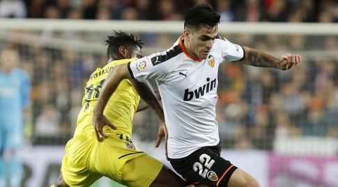 מקסי גומס במאבק על הכדור (La Liga)