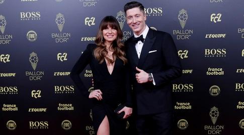 רוברט לבנדובסקי וזוגתו בטקס כדור הזהב (רויטרס)