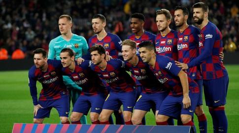 שחקני ברצלונה לפני המשחק (רויטרס)