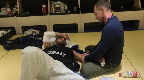 טוהר בוטבול בטיפול עם אורי זמיר הפיזיוטרפיסט (איגוד הג'ודו)