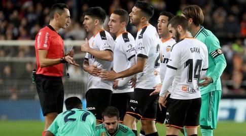 קרלוס סולר בא בטענות לשופט (La Liga)