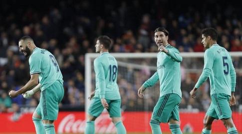 בנזמה ושחקני ריאל מדריד חוגגים (La Liga)