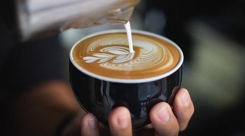 כוס קפה. לא רק קפאין (StockSnap)