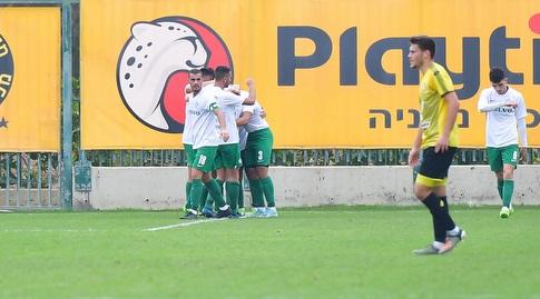 שחקני מכבי חיפה חוגגים (חגי מיכאלי)