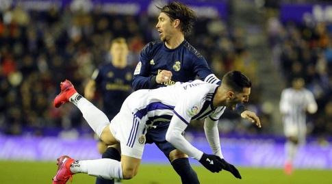 סרחיו ראמוס נאבק על הכדור (La Liga)